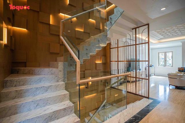 Mang trong mình lối kiến trúc độc nhất vô nhị và được đầu tư tỉ mỉ đến từng chi tiết Regal Le Pavillon House sánh ngang với các công trình quốc tế, là một căn shophouse thương mại lại sở hữu được tiêu chuẩn 6 sao của những khách sạn đắt giá trên thế giới.