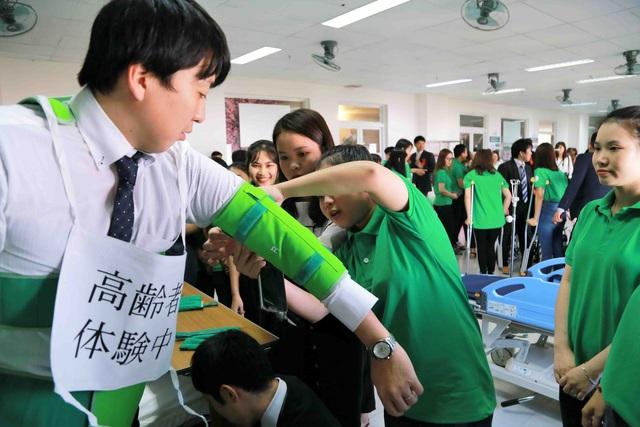 Đào tạo nhân lực điều dưỡng chuẩn Nhật ngay tại Việt Nam - Ảnh 3.