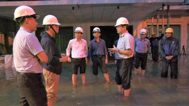 Huy động lực lượng khắc phục lưới điện sau bão số 6 và mưa lũ ở miền Trung  - Ảnh 3.