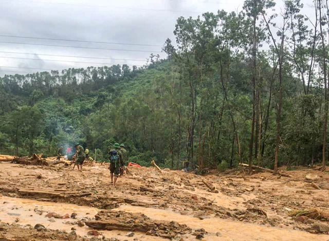 Ảnh: Cảnh tan hoang tại trạm quản lý bảo vệ rừng tiểu khu 67 - Ảnh 5.