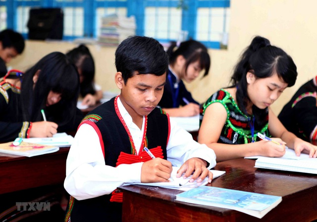 Điều kiện để học sinh, sinh viên dân tộc thiểu số được cử tuyển học đại học, cao đẳng, trung cấp - Ảnh 1.