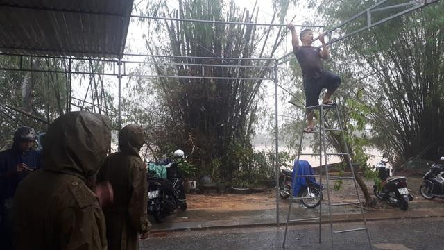 Sạt lở thủy điện Rào Trăng 3: Người dân xót thương Chủ tịch huyện hy sinh khi tham gia cứu nạn - Ảnh 1.