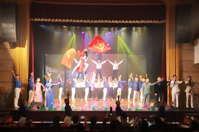 Đoàn Thanh niên Bộ VHTTDL tham dự Liên hoan các nhóm nhạc tuyên truyền ca khúc cách mạng Khối các cơ quan Trung ương năm 2020 - Ảnh 1.