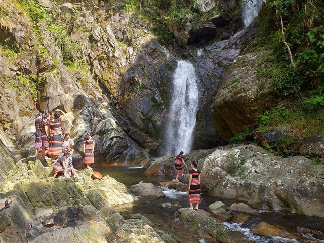 Công nhận điểm du lịch sinh thái cộng đồng làng A Nôr - Ảnh 1.