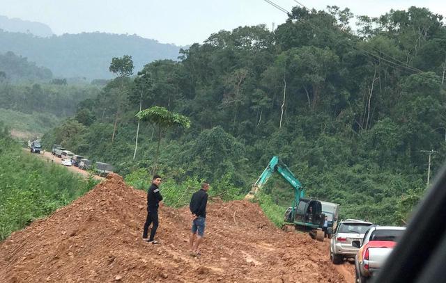 Quảng Bình: Đề xuất di dời dân ra khỏi vùng nguy hiểm - Ảnh 1.