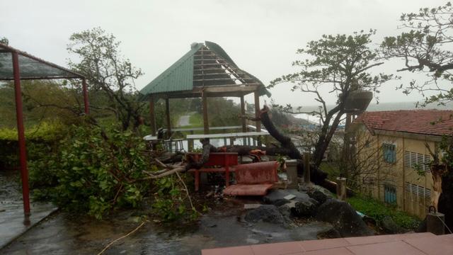 Các tỉnh miền Trung chịu nhiều thiệt hại do bão số 13 - Ảnh 2.