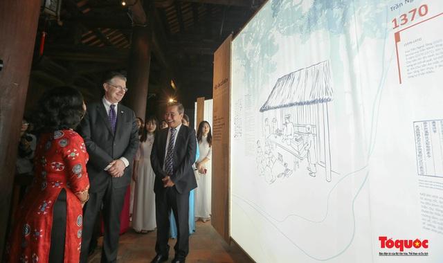 Đại sứ Mỹ thăm trường đại học đầu tiên của Việt Nam nhân ngày 20/11 - Ảnh 13.
