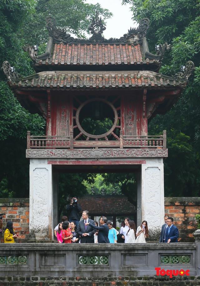 Đại sứ Mỹ thăm trường đại học đầu tiên của Việt Nam nhân ngày 20/11 - Ảnh 5.