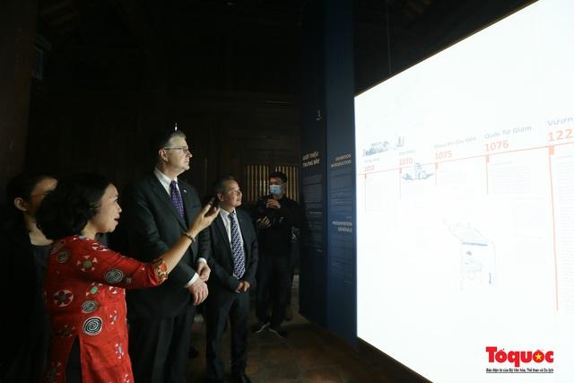 Đại sứ Mỹ thăm trường đại học đầu tiên của Việt Nam nhân ngày 20/11 - Ảnh 12.