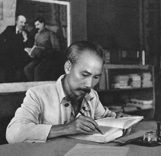 Chủ tịch Hồ Chí Minh – Người đưa nhân dân từ thân phận nô lệ trở thành công dân nước Việt Nam độc lập tự do - Ảnh 1.