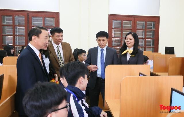 Bưu điện PTI trao tặng phòng học máy tính cho Trường THPT Việt Bắc - Ảnh 9.