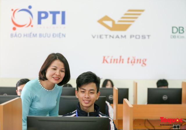 Bưu điện PTI trao tặng phòng học máy tính cho Trường THPT Việt Bắc - Ảnh 12.