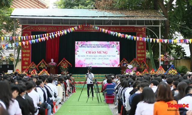 Bưu điện PTI trao tặng phòng học máy tính cho Trường THPT Việt Bắc - Ảnh 1.