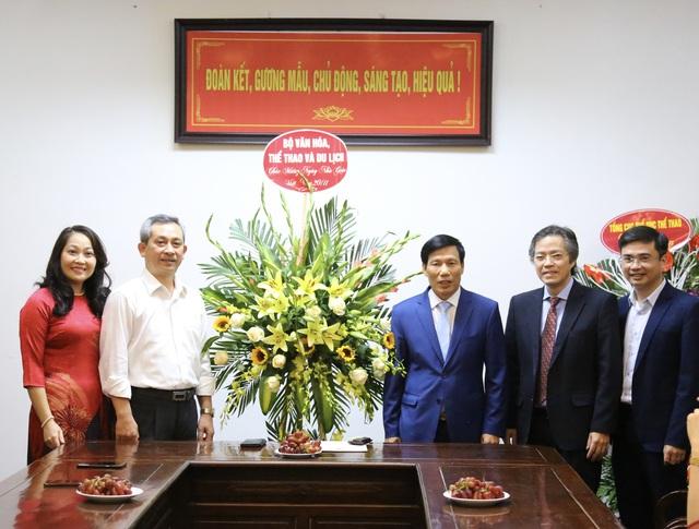 Bộ trưởng Nguyễn Ngọc Thiện chúc mừng tập thể giáo viên trường Đại học Sân khấu Điện ảnh Hà Nội và trường Cán bộ Quản lý VHTTDL nhân ngày 20/11 - Ảnh 2.