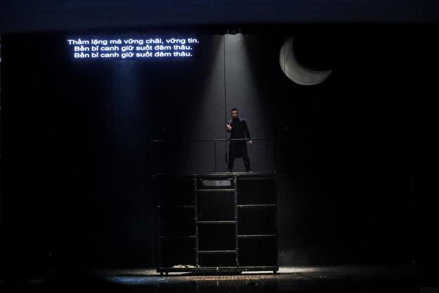 Vở Nhạc kịch 'Những người khốn khổ' chinh phục khán giả Thủ đô trong đêm đầu tiên ra mắt - Ảnh 12.