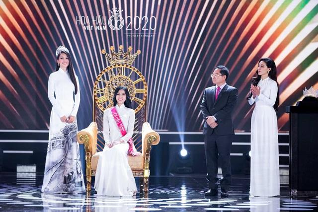 """Hoa hậu Tiểu Vy viết tâm thư xúc động gửi tới """"đàn em"""" Đỗ Thị Hà - Ảnh 1."""