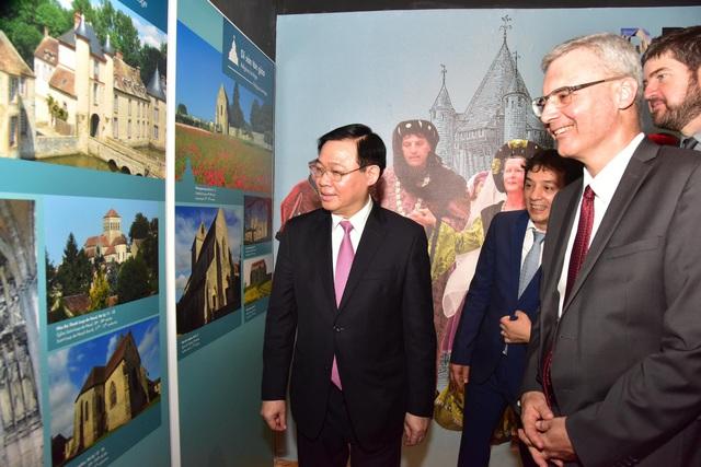 Kỷ niệm 10 năm Hoàng thành Thăng Long được UNESCO ghi danh: Góp phần tạo nên một diện mạo văn hóa đáng tự hào của Hà Nội - Ảnh 5.