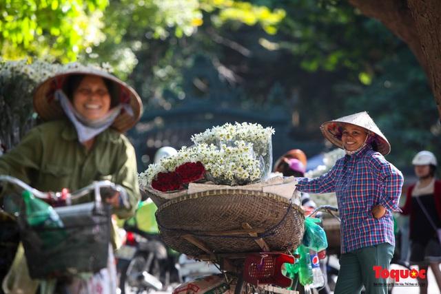 """Cúc Họa mi """"xuống phố"""" mang gió đông về khắp phố phường Hà Nội - Ảnh 17."""