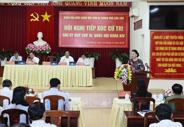 Chủ tịch Quốc hội Nguyễn Thị Kim Ngân tiếp xúc cử tri quận Cái Răng, thành phố Cần Thơ - Ảnh 2.