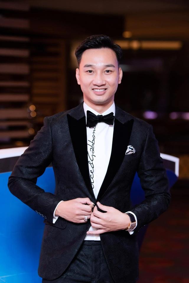 """MC Thành Trung: """"Muốn thành công, phát triển trong cuộc đời thì phải ở cạnh người phụ nữ phù hợp"""" - Ảnh 1."""
