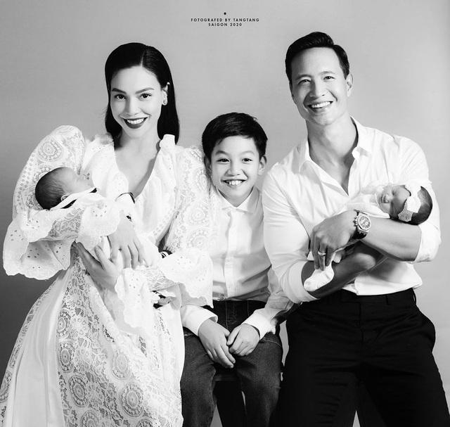 Hồ Ngọc Hà hé lộ cặp song sinh đáng yêu, còn nhắc đến cả bố mẹ chồng - Ảnh 1.