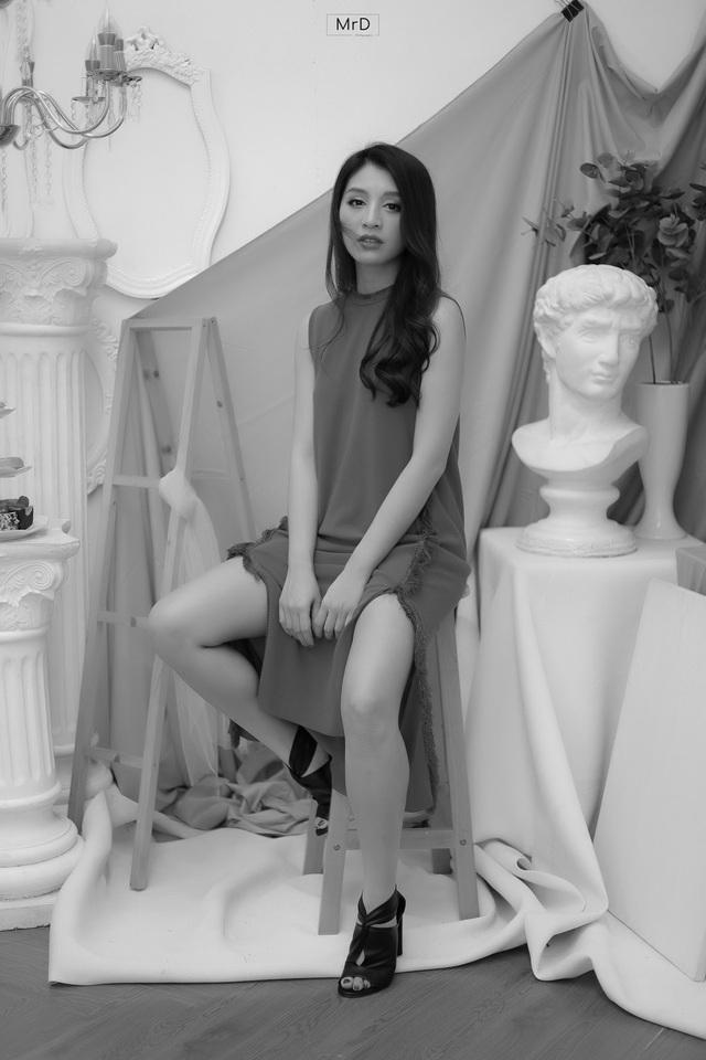 Người đẹp Lê Thanh Tú cuốn hút trong bộ ảnh đen trắng - Ảnh 8.