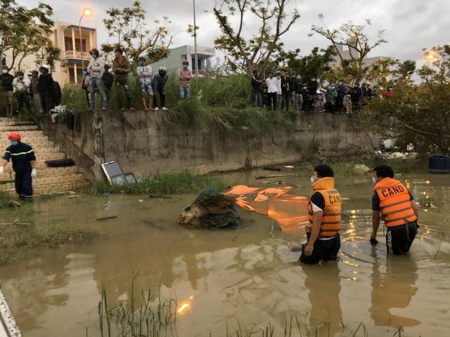 Người dân đi tập thể dục hoảng hồn phát hiện thi thể trên sông Hàn - Ảnh 1.