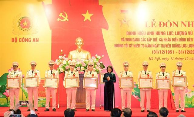Thủ tướng trao danh hiệu Anh hùng tặng Cục An ninh điều tra Bộ Công an - Ảnh 3.