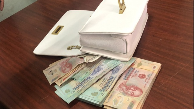 Bắt đối tượng mở cốp xe SH, trộm hơn 106 triệu đồng - Ảnh 2.