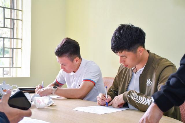 Nguyễn Quang Hải, Trần Đình Trọng hoàn thiện thủ tục nhập học chính thức tại Trường Đại học TDTT Bắc Ninh - Ảnh 1.