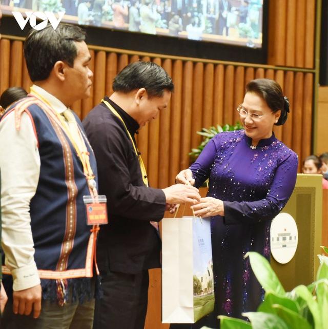 Chủ tịch Quốc hội: Mỗi một suy nghĩ, hành động đều phải hướng tới củng cố, tăng cường khối đại đoàn kết các dân tộc - Ảnh 2.