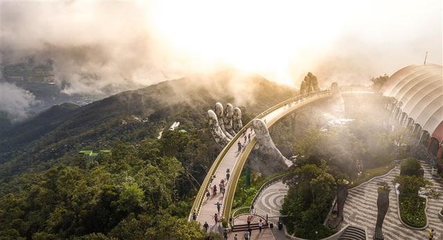 Cây cầu bắc ước mơ du lịch Việt vươn tầm thế giới - Ảnh 3.