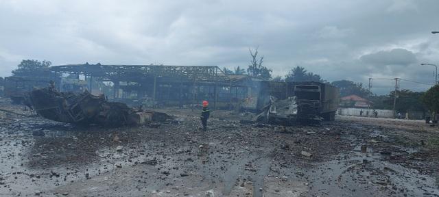Pháo nổ liên hồi tại thời điểm xảy ra vụ cháy ở khu vực biên giới Việt Nam - Lào - Ảnh 2.