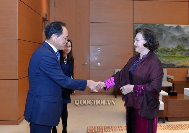 Chủ tịch Quốc hội Nguyễn Thị Kim Ngân tiếp Đại sứ Hàn Quốc Park Noh-Wan - Ảnh 1.