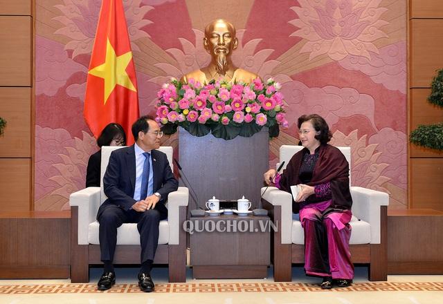 Chủ tịch Quốc hội Nguyễn Thị Kim Ngân tiếp Đại sứ Hàn Quốc Park Noh-Wan - Ảnh 2.