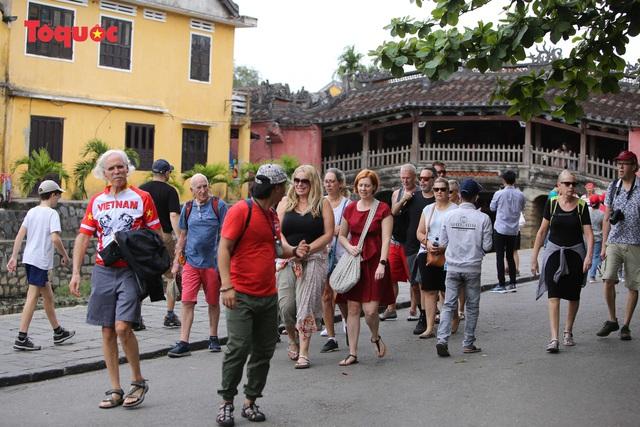 Hội An vẫn là điểm đến an toàn, mỗi đêm có trên 10.000 khách lưu trú, chủ yếu là khách châu Âu - Ảnh 13.