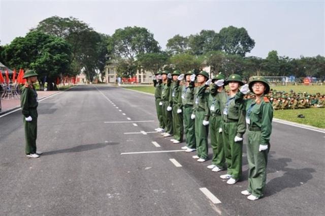 Nghiên cứu, đề nghị Chính phủ xem xét việc miễn học phí môn học Giáo dục quốc phòng và an ninh cho học sinh, sinh viên - Ảnh 1.