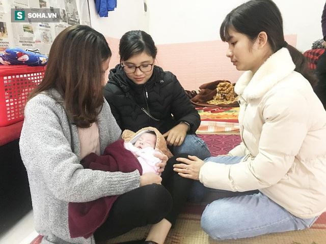 Rơi nước mắt hoàn cảnh thương tâm ở Hà Nội: Bố mất vì điện giật, bé gái chào đời khi mẹ băng huyết tử vong sáng 30 Tết - Ảnh 2.