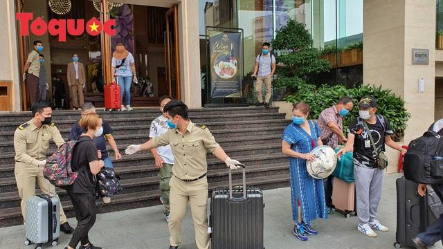 Du khách quốc tế cảm ơn các nhân viên khách sạn Vanda chăm sóc chu đáo, tuyệt vời trong những ngày cách ly - Ảnh 15.