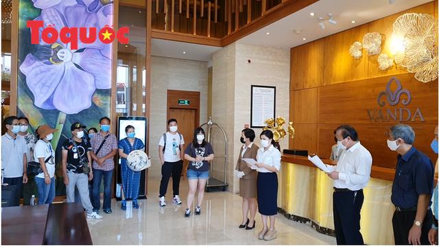 Du khách quốc tế cảm ơn các nhân viên khách sạn Vanda chăm sóc chu đáo, tuyệt vời trong những ngày cách ly - Ảnh 7.