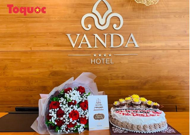 Du khách quốc tế cảm ơn các nhân viên khách sạn Vanda chăm sóc chu đáo, tuyệt vời trong những ngày cách ly - Ảnh 23.