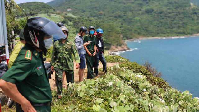 Đà Nẵng lập chốt chặn không cho người dân và du khách lên bán đảo Sơn Trà để phòng chống dịch Covid-19 - Ảnh 10.