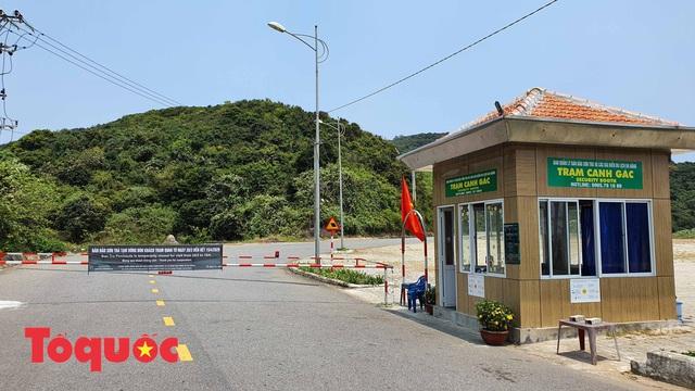 Đà Nẵng lập chốt chặn không cho người dân và du khách lên bán đảo Sơn Trà để phòng chống dịch Covid-19 - Ảnh 13.