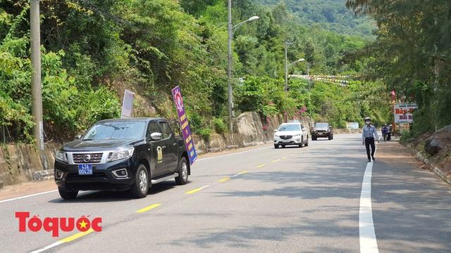 Đà Nẵng lập chốt chặn không cho người dân và du khách lên bán đảo Sơn Trà để phòng chống dịch Covid-19 - Ảnh 4.