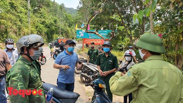 Đà Nẵng lập chốt chặn không cho người dân và du khách lên bán đảo Sơn Trà để phòng chống dịch Covid-19 - Ảnh 6.