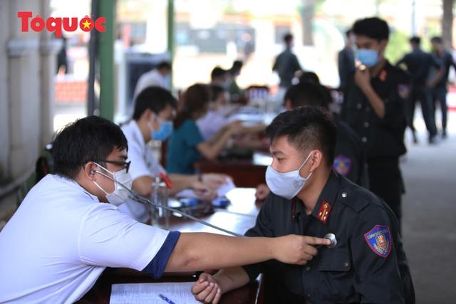 Hàng trăm Cảnh sát đặc nhiệm hiến máu cứu người  - Ảnh 3.