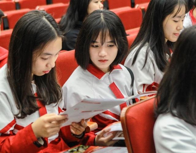 Trường đại học công bố điểm sàn xét tuyển sát với điểm chuẩn dự kiến  - Ảnh 1.