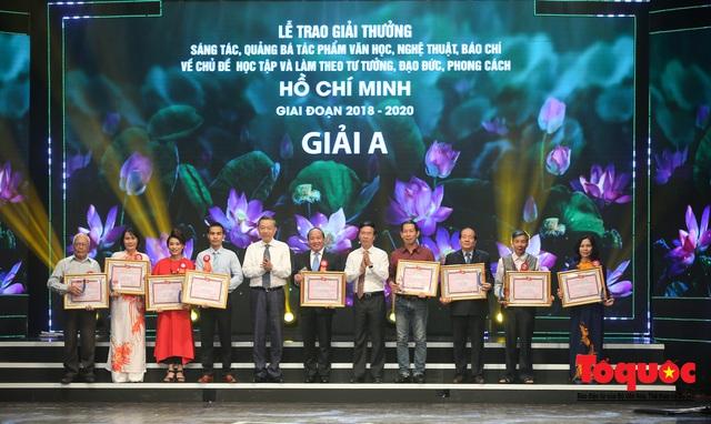 """Lễ trao giải sáng tác chủ đề """"Học tập và làm theo tư tưởng, đạo đức, phong cách Hồ Chí Minh"""" - Ảnh 7."""