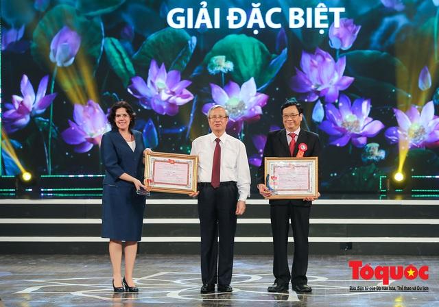 """Lễ trao giải sáng tác chủ đề """"Học tập và làm theo tư tưởng, đạo đức, phong cách Hồ Chí Minh"""" - Ảnh 4."""