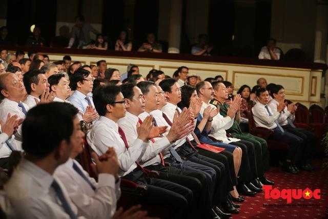 """Lễ trao giải sáng tác chủ đề """"Học tập và làm theo tư tưởng, đạo đức, phong cách Hồ Chí Minh"""" - Ảnh 12."""